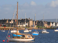 Sailing on Findhorn Bay